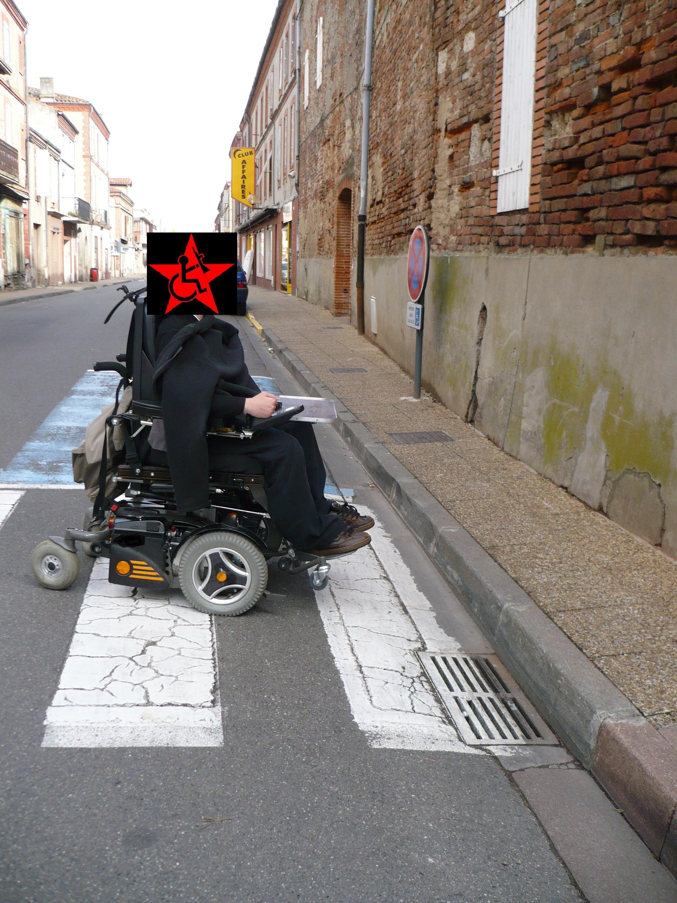 passage pietons absurde impraticable pour les handicapés